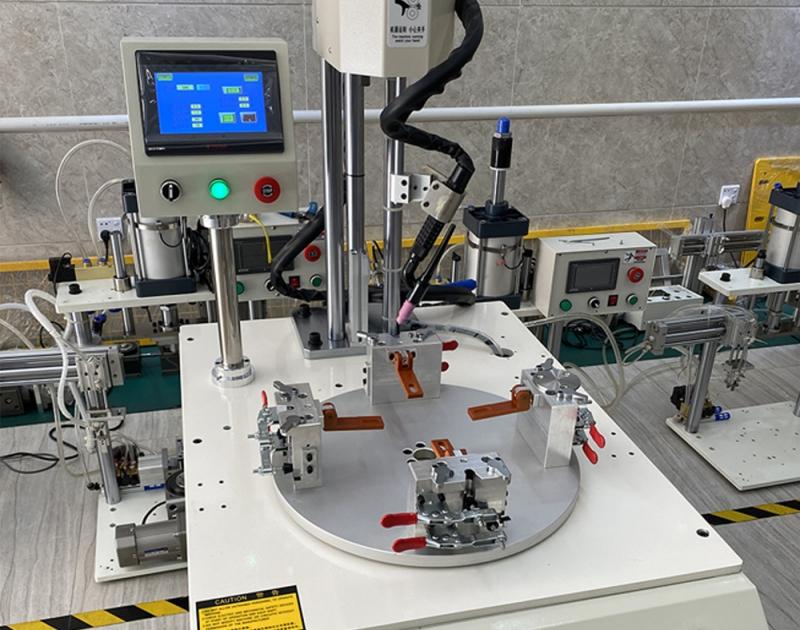 装盘焊接机